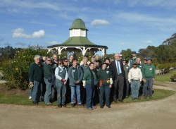 Victoria State Rose Garden Supporters with Heritage Council representatives.